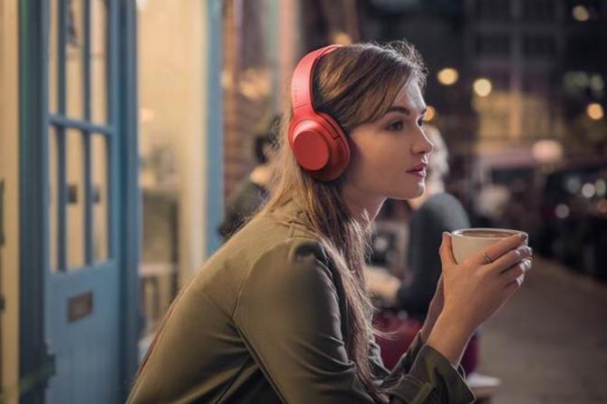 新款头戴式无线降噪索尼耳机h.ear on Wireless NC(MDR-100ABN)朱砂红款