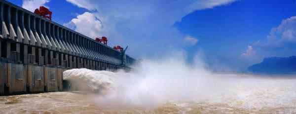 图为三峡大坝。