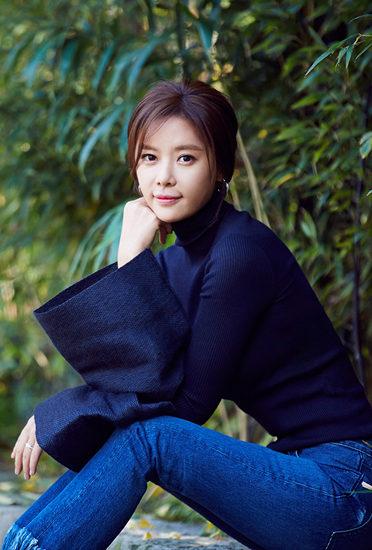 姜汉娜黄正音申请离婚昔日若干恩爱照曝光所属社正式回应