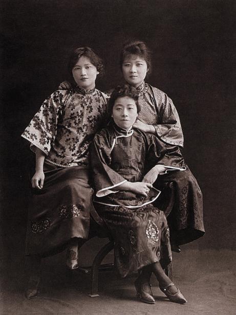 宋氏三姐妹青年时期合影图片