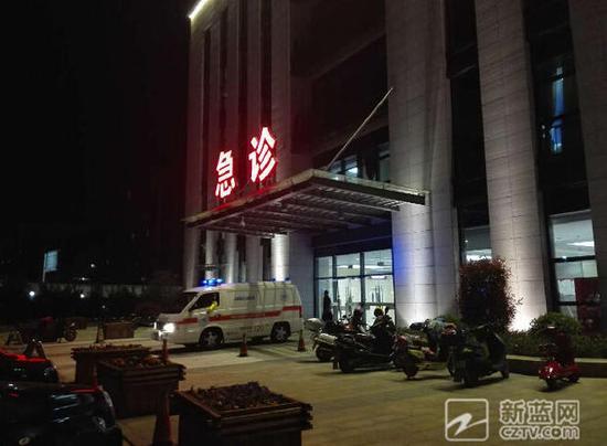 救护车到达医院