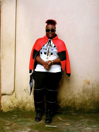 这个穷国首都70%青年失业,但所有人都打扮得美滋滋