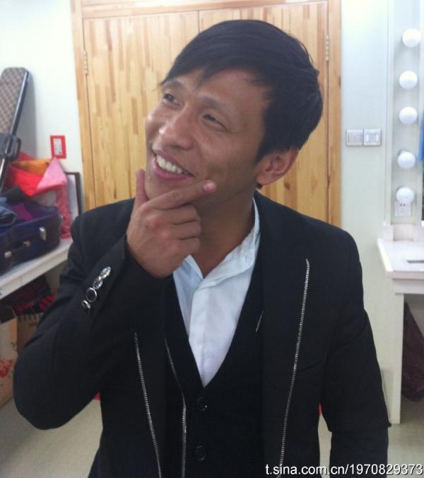 宋小宝:真的挺黑的哈哈没开亮光。