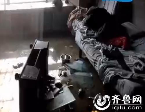 室内物品被大火烧毁(视频截图)