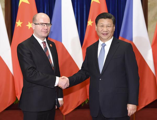 2015年11月26日,国家主席习近平在北京人民大会堂会见捷克总理索博特卡。新华社记者谢环驰摄