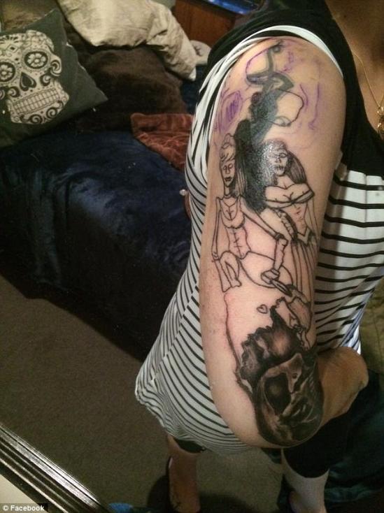 纹身店,称其花400美元(约合人民币2605元)本打算在手臂纹上美美的童话图片