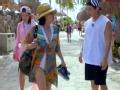 《花样姐姐第二季片花》第三期 Henry大赞王琳泳装性感 男友力俘获王琳芳心