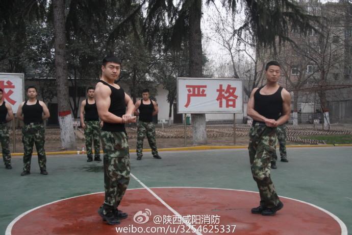 最近韩剧《太阳的后裔》被热捧,宋仲基饰演的韩国军人形象瞬间在微信微博爆表。