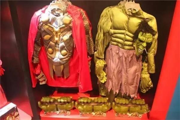 各類公主服、英雄服,最便宜的大約需要498元/套;