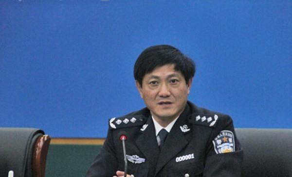 天津市公安局局长赵飞出任副市长。