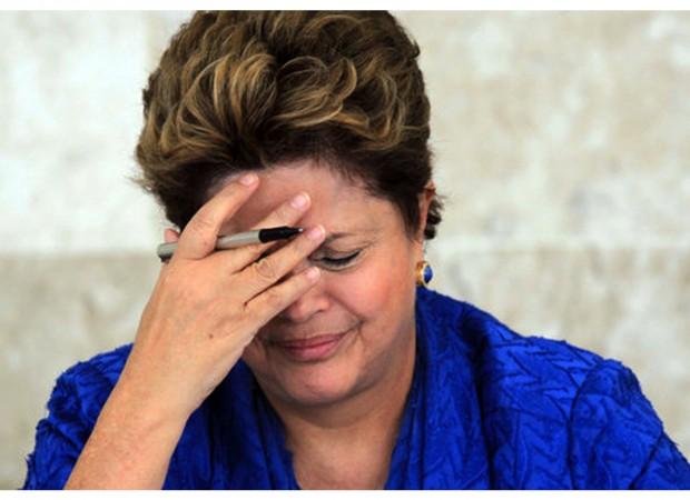 """有媒体报道,副总统泰梅尔甚至已经在预热自己的""""总统状态"""",在刚过去的周末和自己的团队就提振经济进行了一番商讨,其中就包括削减政府支出,平衡财政。巴西《圣保罗州报》甚至直接明言,前巴西央行行长梅里莱斯(Henrique Meirelles)和弗拉加(Arminio Fraga)将会在特梅尔的新政府中为削减社会福利等措施出主意。"""