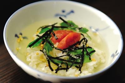 日版《深夜食堂》最大的特点就是制作这收尾的一道菜。