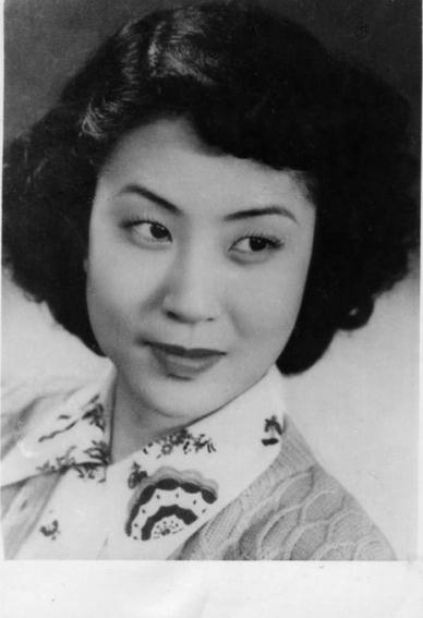 京剧表演艺术家吴素秋去世