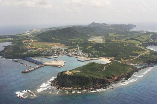 原文配图:日本与那国岛新基地曝光。