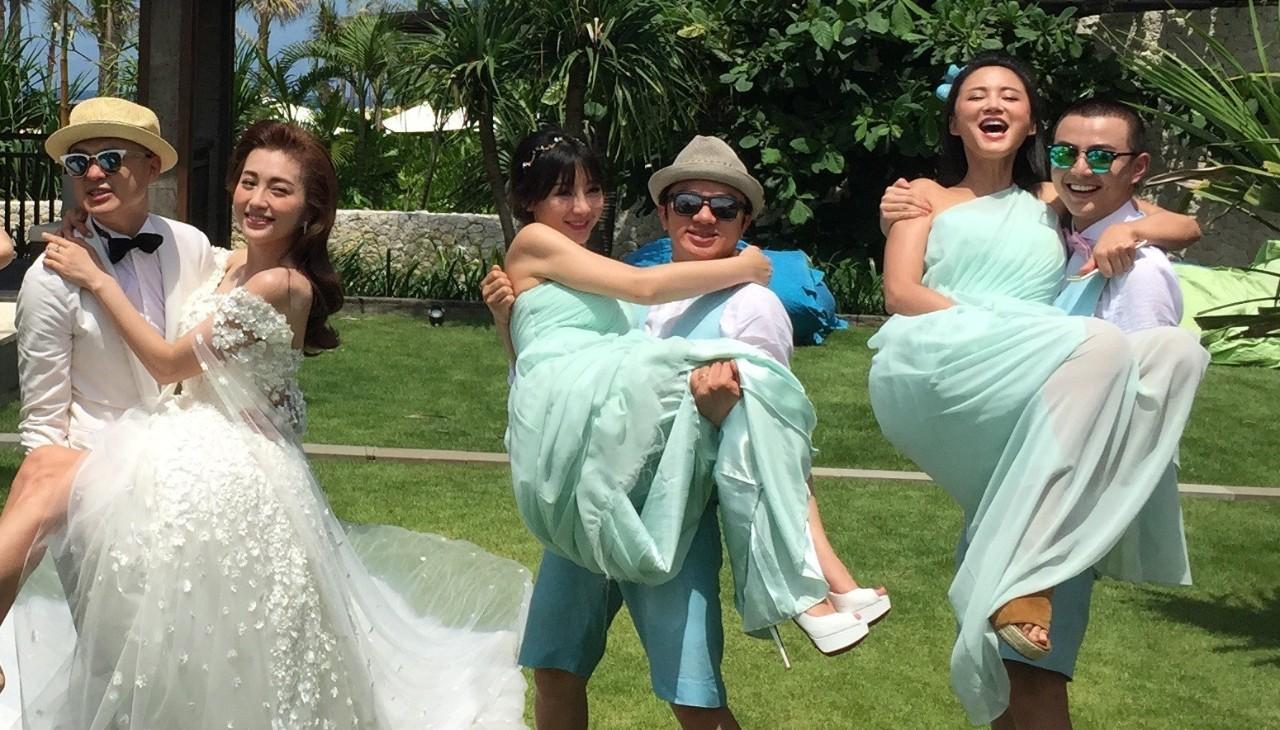 新娘闹洞房太搞笑了都看看吧?
