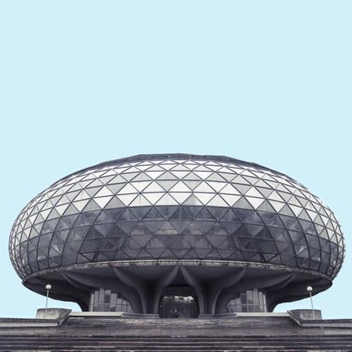塞尔维亚首都贝尔格莱德20世纪中期的建筑颇有《星球大战》中所描述的那种建筑风格(网页截图)