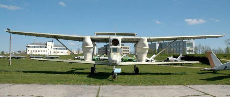 近日,脑洞大开的网友们盘点了一些造型特别的飞机,这些飞机虽然怪模怪样,但大多都有特定的用途,让我们一起来看一看吧!(中国军网综合)