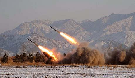资料图片:朝鲜发射短程导弹。
