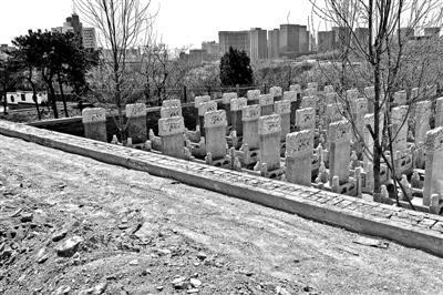 人民公墓南山区的生态墓园正在土建,未来这里将有专门的儿童墓园 摄影/本报记者 魏彤