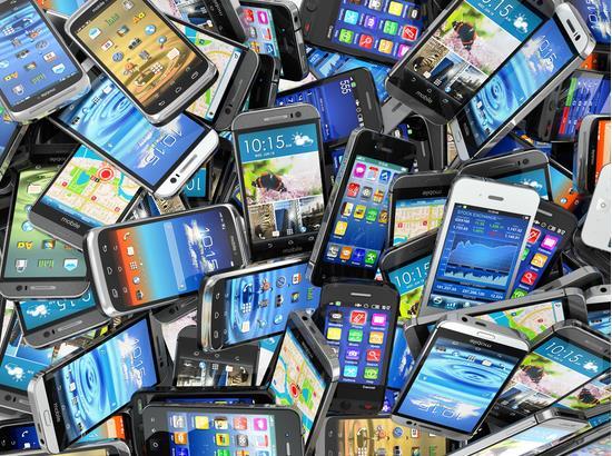 蓝鲸TMT讯 4月1日消息,根据市场研究公司Gartner公布的报告显示,在今年,全球智能手机市场将只会有个位数的增长,创有史以来的最低。同时,Gartner还表示,今年的个人电脑交付量也将会下降。