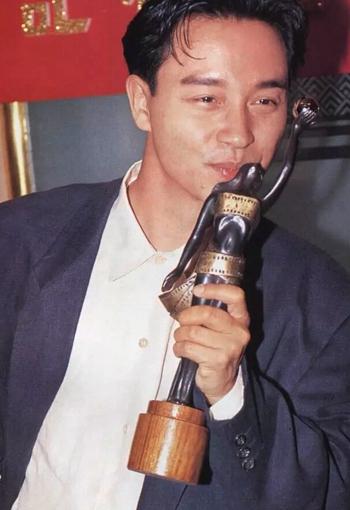 1991年张国荣凭借《阿飞正传》获得金像奖影帝