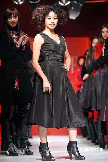 中国较矮的女星_
