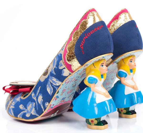 [艺术] 穿上爱丽丝鞋子去梦游仙境(双语)