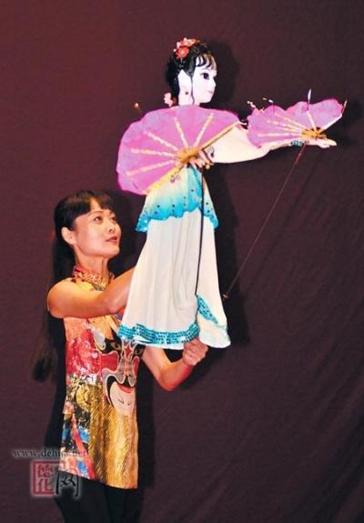 木偶《扇韵》资料图片
