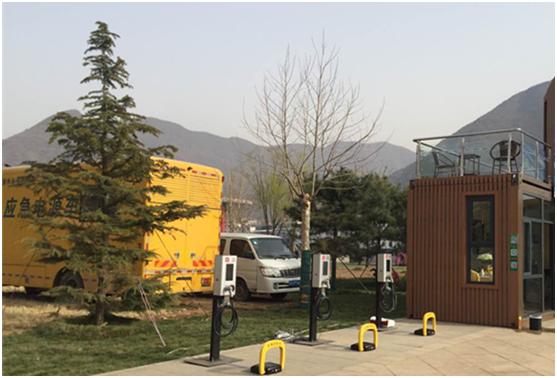 据悉,充电侠作为国内领先的电动汽车充电网络运营平台,致力于为用户提供更省钱、更省时、更省力、更省心的综合充电服务。而且,充电侠还在全国各个城市布局充电服务系统,到目前为止,充电侠已经建立了以北京、上海为根据地,面向全国的充电站网络,大连、天津、青岛、济南、宁波、杭州等,未来将陆续进入建设阶段。其已开发充电侠APP,微信公众平台也已测试上线。