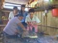 《花样姐姐第二季片花》第五期 烤食人鱼配秘鲁木薯 花样团雨林体验别样午餐