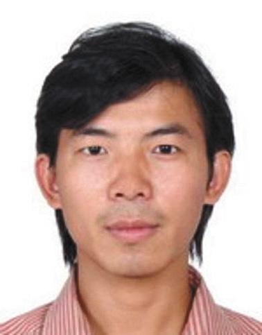 文龙坚,男,汉族,1984年7月28日出生,户籍地址:广西壮族自治区宾阳县大桥镇南梧街167号。身份证号码:452123198407282874。