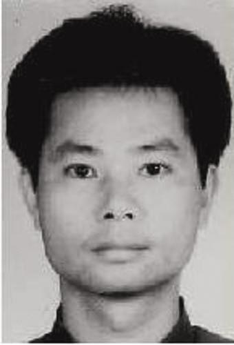 肖日初,男,汉族,1971年11月1日出生,户籍地址:广西壮族自治区宾阳县新桥镇大林村委会科甲村139号。身份证号码:452123197111011018。