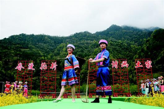 做强基础设施,通过县镇村的共同努力,让石柱成为了秭归县乡村旅游示范