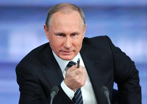 """俄罗斯总统普京在与民众""""直播连线""""期间表示,恐怖主义对俄罗斯构成的威胁仍然存在。"""