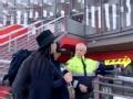 《一路上有你第二季片花》第六期 王岳伦遭怀疑是恐怖分子 被警察带走错过火车