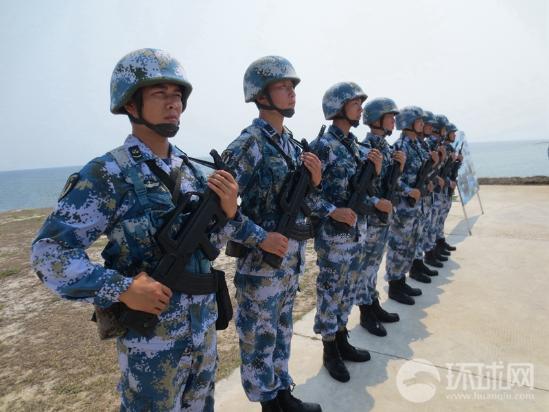 据美国媒体12日报道称,最新卫星图像显示,中国军队已经在西沙永兴岛上部署新战斗机和雷达系统,并无端指责中国加剧地区紧张。然而就在南海周边的敏感区域,美国自己却忙着在卖军备,秀武力。军事专家曹卫东在接受央视《今日亚洲》采访时表示,永兴岛是西沙较大的岛屿,也是三沙市政府所在地,为了维护我国领土主权安全,我们派驻的飞机进行正常巡逻和训练,其他国家无权说三道四。
