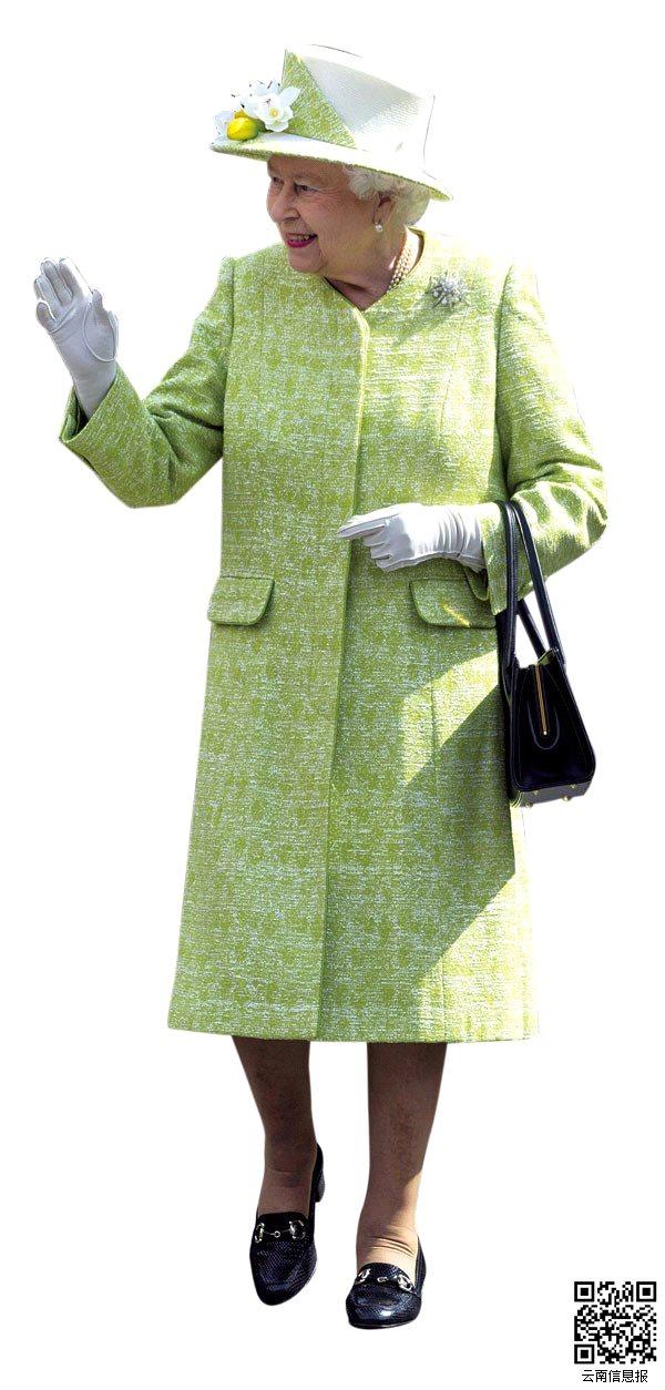 4月21日,英国女王伊丽莎白二世在90大寿这天与前来祝福的民众见面。