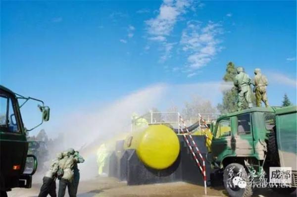 防化兵执行核生化应急救援任务