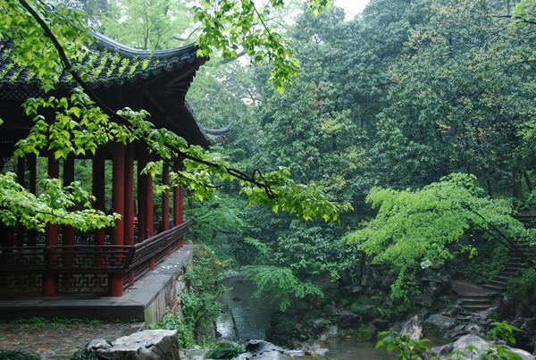 专访 灵隐寺方丈:竞争有益于宗教的健康发展