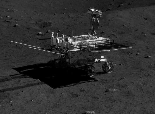 嫦娥三号拍出迄今最清晰月面照片