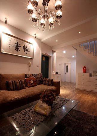 跃层房子装修效果图:楼梯下面,打算再添置一个鱼缸