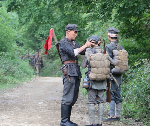聂远演红军英雄传播正能量
