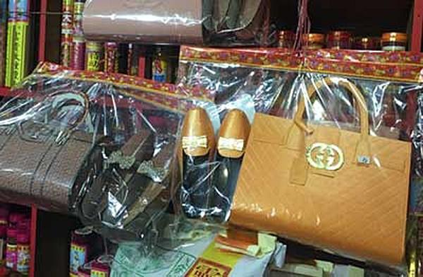 """古驰在香港殡葬业""""打假""""。"""