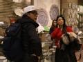 《一路上有你第二季片花》未播 李湘幕后shopping 工艺品店为婆婆买礼物