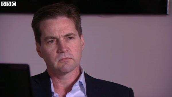 """他告诉BBC:""""有人会相信,也有人不会,但实话告诉你,我并不在乎。""""他说自己公开身份只是为了停止人们继续为此时打扰他和他关心的人。"""