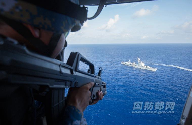 合肥舰兵力群演练侦察与反侦察。