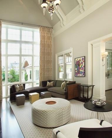 不吊顶客厅装修效果图:小户型客厅的设计就要注重其宽敞透亮性,