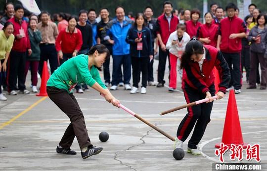 国办:学校每年至少要办一次综合性运动会或体