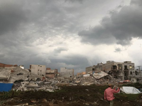 5月3日,海口琼华村被没预期的后续强拆,狂风骤雨后,这里像是地震灾难现场。