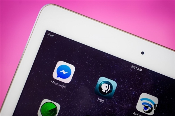 从之前苹果放出的iPad销量来看,整体下滑的同时,Pro系列出现了不错的增长,随着12.9寸、9.7寸iPad Pro的推出,外界认为Air和mini系列被放弃已是定局,而Air3就成了弃儿,更何况之前还曝光了7.9寸iPad Pro。
